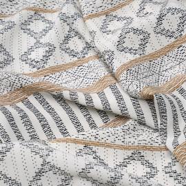 Tissu viscose blanc cassé à motif ethnique beige et noir x 10 cm