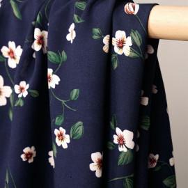 Tissu viscose bleu patriote à motif fleurs blanches et ocres et vertes et rouge - pretty mercerie - mercerie en ligne