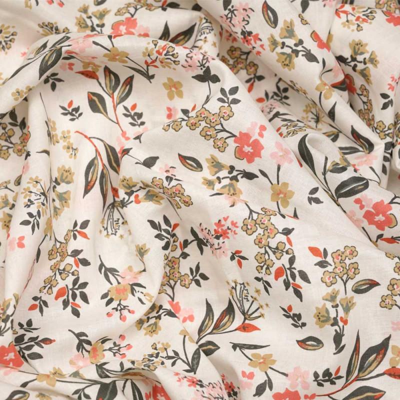 Tissu coton blanc cassé à motif fleuri rose et vert et beige  - pretty mercerie - mercerie en ligne