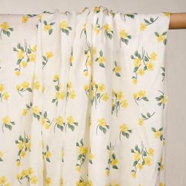 Tissu coton blanc à motif petites fleurs jaunes aurora et vertes  - pretty mercerie - mercerie en ligne
