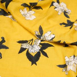 Tissu coton et viscose jaune à motif fleurs d'orchidées et fines rayures froissées  X 10 CM