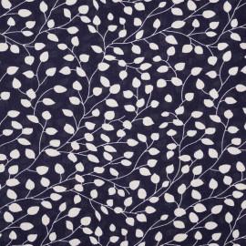 Tissu viscose bleu patriote à motif branches et feuilles blanches - pretty mercerie - mercerie en ligne