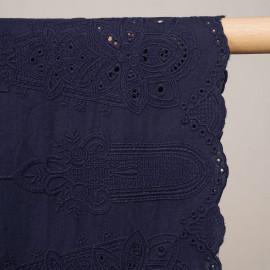 Tissu coton brodé bleu patriote à motif bohème chic - pretty mercerie - mercerie en ligne