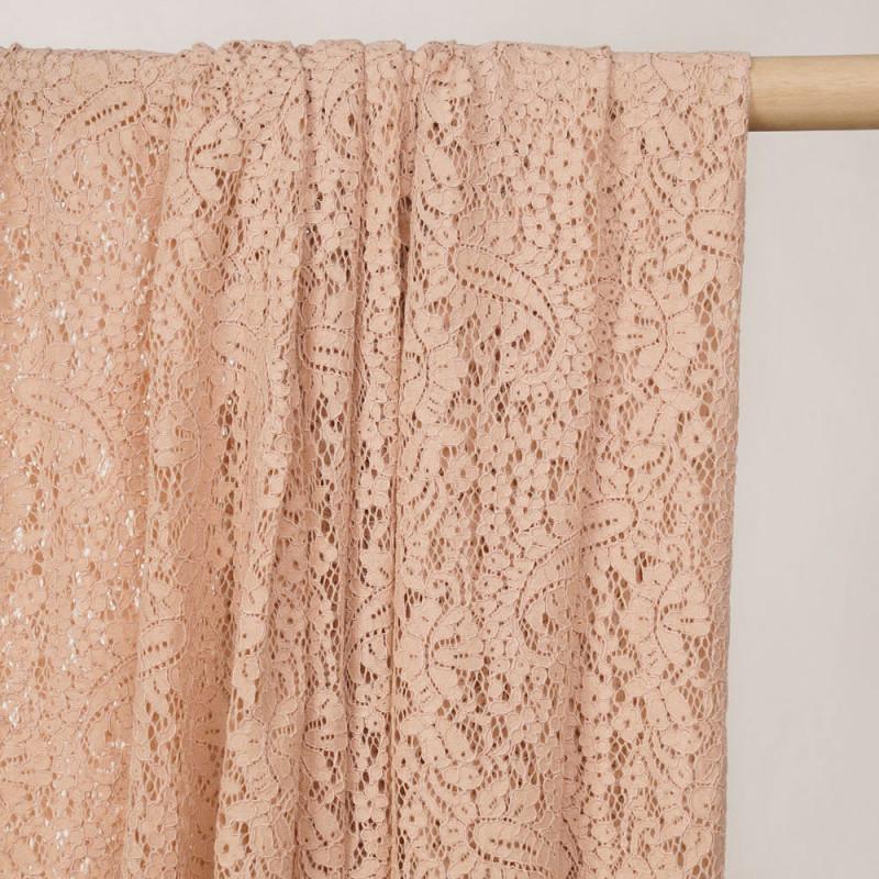 Tissu dentelle toasted almond motif folk paisley - pretty mercerie - mercerie en ligne