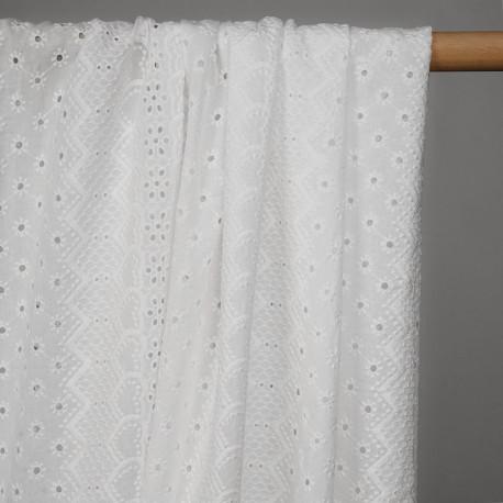 Tissu coton blanc bandes brodés coeurs et fleurs ajourés - pretty mercerie - mercerie en ligne