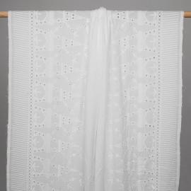 Tissu coton blanc brodés tour eiffel et hirondelle ajourés - pretty mercerie - mercerie en ligne