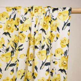 Tissu coton blanc à motif roses jaunes - pretty mercerie - mercerie en ligne