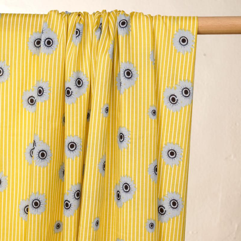 Tissu viscose citron à rayures blanches et marguerites bleus pretty mercerie - mercerie en ligne