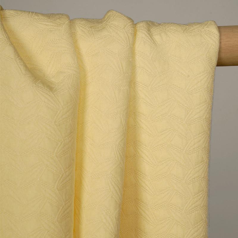 Tissu jacquard jaune pastel à motif géométrique - pretty mercerie - mercerie en ligne