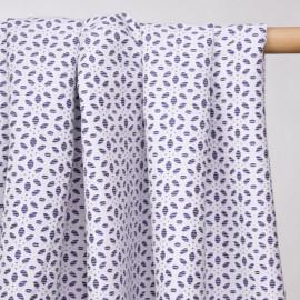 Tissu jacquard effet coton brodé blanc et bleu - pretty mercerie - mercerie en ligne
