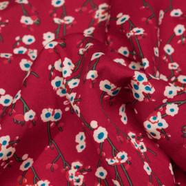 Tissu viscose rouge barberry à motif fleurs beiges et bleues - pretty mercerie - mercerie en ligne