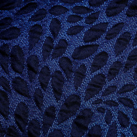 Tissu jacquard lurex bleu à motif pétales bleu nuit - pretty mercerie - mercerie en ligne
