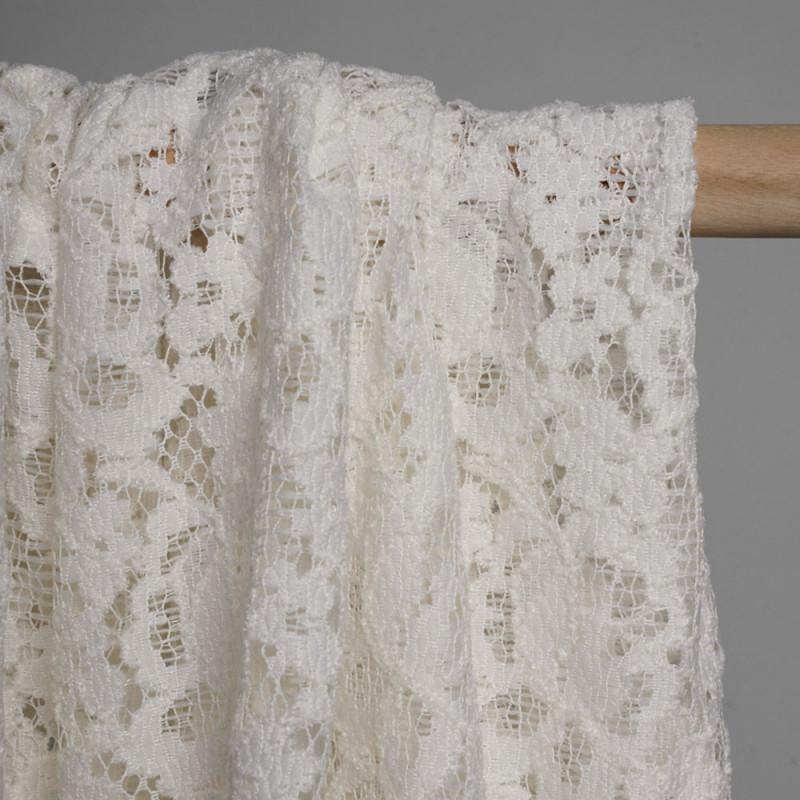 Tissu dentelle blanc cassé motif bohème flower - pretty mercerie - mercerie en ligne