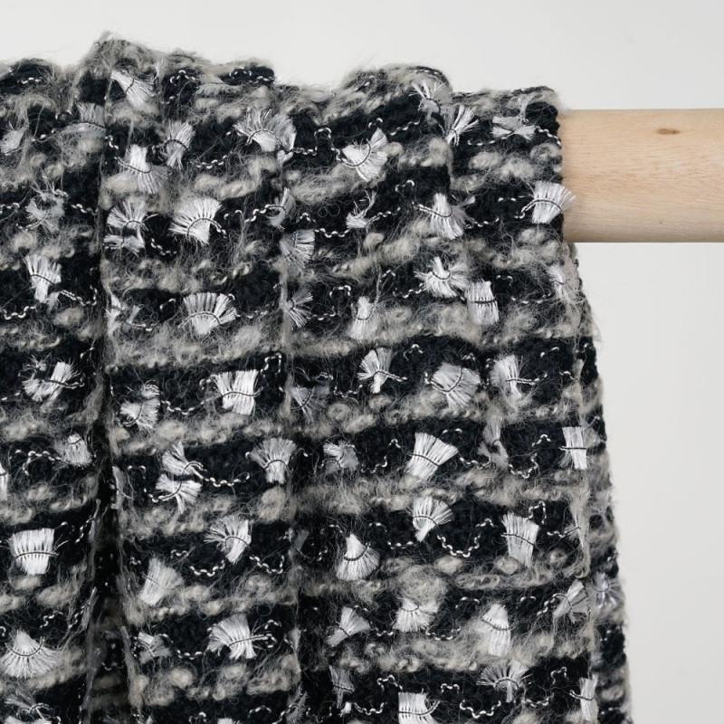 Tissu maille noir et crème à motif brodés argent gatsby - pretty mercerie - mercerie en ligne