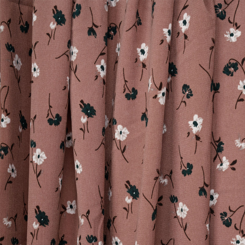 Tissu crêpe rose vieilli à motif fleurs blanches et vertes - pretty mercerie - mercerie en ligne