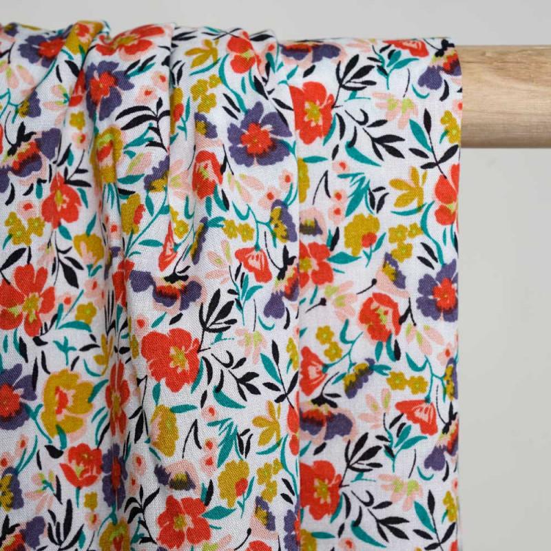 Tissu viscose blanc à motif fleuri moutarde rose vert violet et grenadine - Pretty Mercerie - mercerie  en ligne
