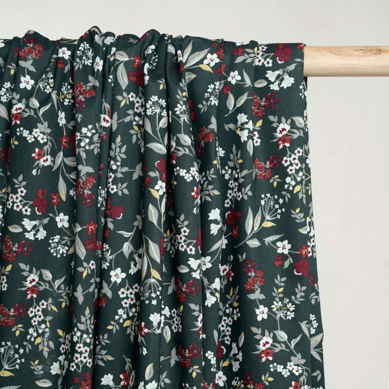 Tissu coton vert jungle à motif fleuri vert mineral blanc rouge et jaune  - pretty mercerie - mercerie en ligne
