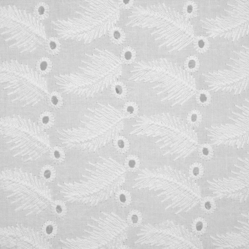 Tissu coton brodé blanc cassé motif plumes et ajourées - pretty mercerie - mercerie en ligne