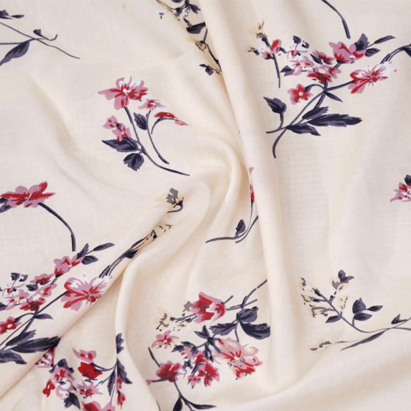 Tissu viscose ivoire jolies fleurs roses et grises  x 10 CM