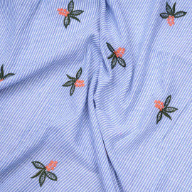 Tissu coton rayé blanc et bleu brodé fleuri  x 10cm