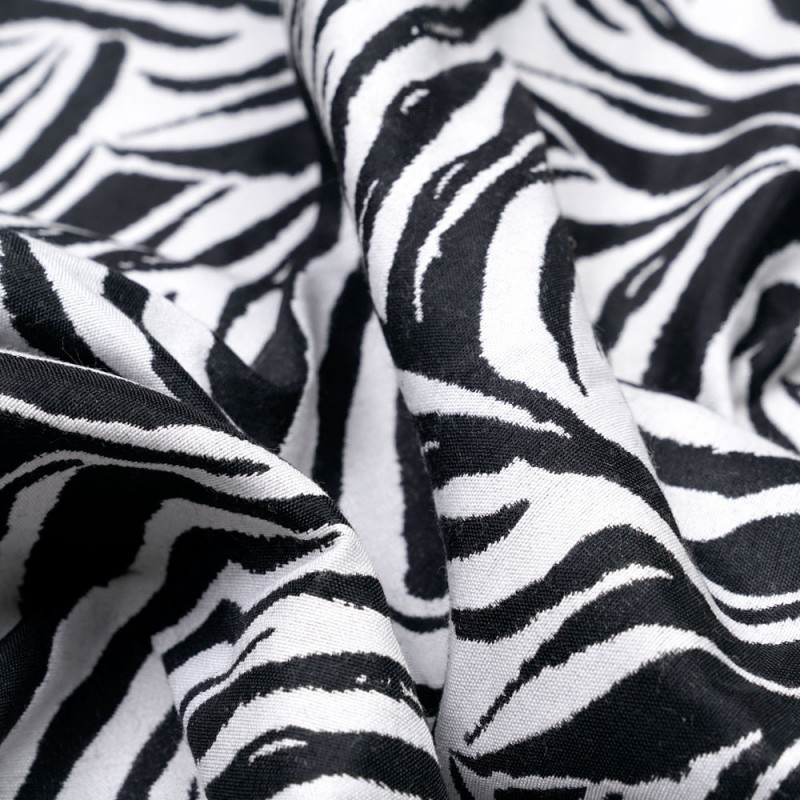 Tissu jacquard zèbre noir et blanc  - pretty mercerie - mercerie en ligne