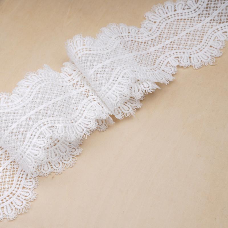Ruban dentelle blanc cassé à motif jolies fleurs - pretty mercerie - mercerie en ligne