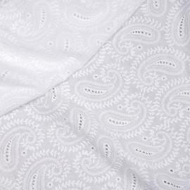 Tissu coton brodé blanc cassé à motif paisley x 10cm