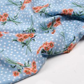 Tissu viscose bleu ciel à pois blanc et jolis bouquets fleuris abricots - pretty mercerie - mercerie en ligne