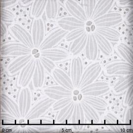 Tissu coton blanc brodés et ajourés marguerites - pretty mercerie - mercerie en ligne