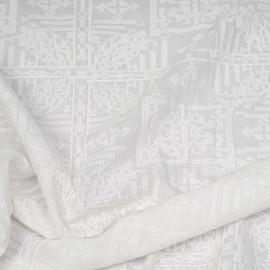 Tissu coton brodé blanc à motif bohème effet points de croix x 10cm