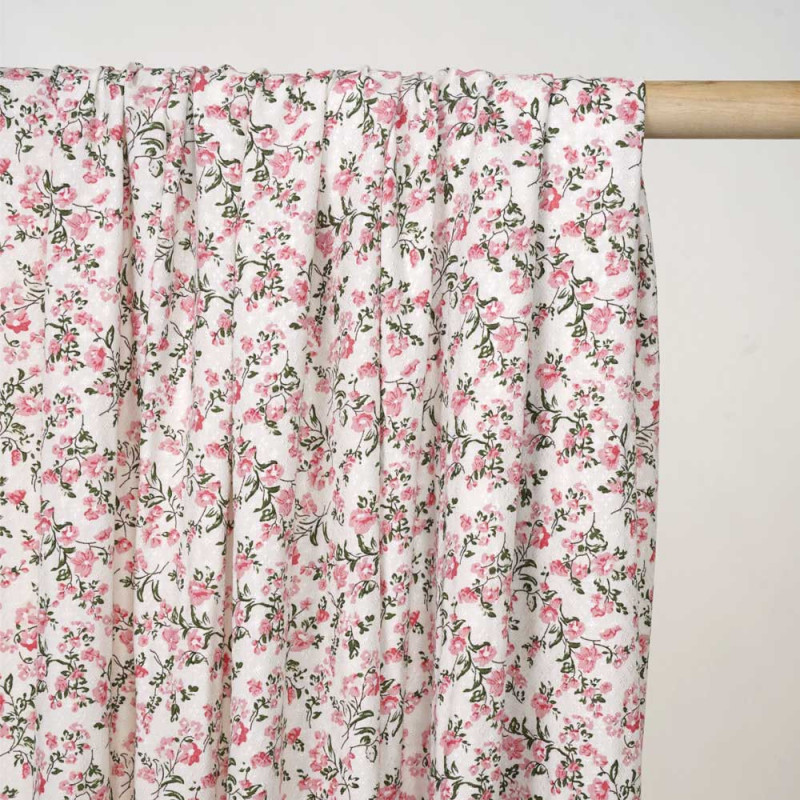 Tissu viscose blanc cassé à motif tissé fleurie rose et vert - Pretty Mercerie - mercerie en ligne