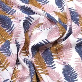 Tissu viscose blanc à motif fougères bleu, rose et camel x 10 CM