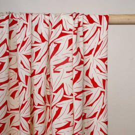 Tissu viscose rouge aurora à motif feuillage écru - Pretty Mercerie - mercerie en ligne