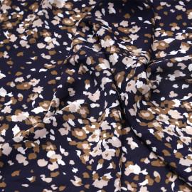 Tissu crêpe bleu marine à motif abstrait beige et rose pâle x 10 cm