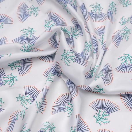 Tissu satiné blanc cassé à motif corail bleu et vert - pretty mercerie - mercerie en ligne