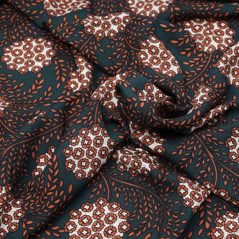 Tissu viscose vert foncé à motif fleuri brique  - pretty mercerie - mercerie en ligne