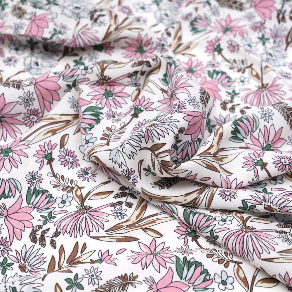 Tissu viscose blanc cassé à motif fleuri rose et vert - pretty mercerie - mercerie en ligne