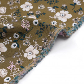 Tissu jacquard vert à motif fleurs des champs roses et vertes - pretty mercerie - mercerie en ligne