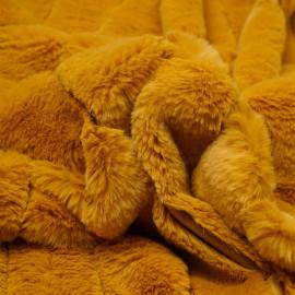 Tissu fausse fourrure moutarde à rayures verticales - pretty mercerie - mercerie en ligne