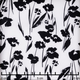 Tissu viscose blanc à motif fleurs noires - pretty mercerie - mercerie en ligne