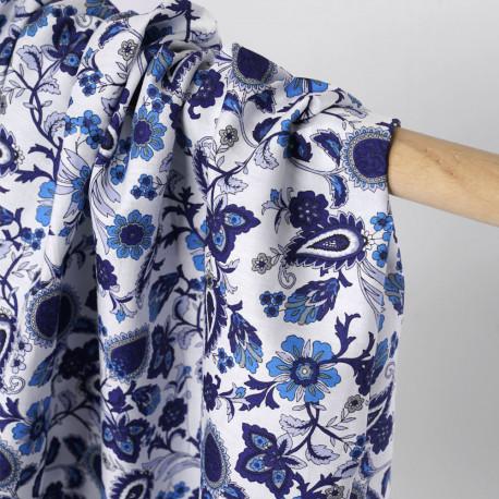 Tissu coton blanc à motif fleuri bleu, azure et lavande - pretty mercerie - mercerie en ligne