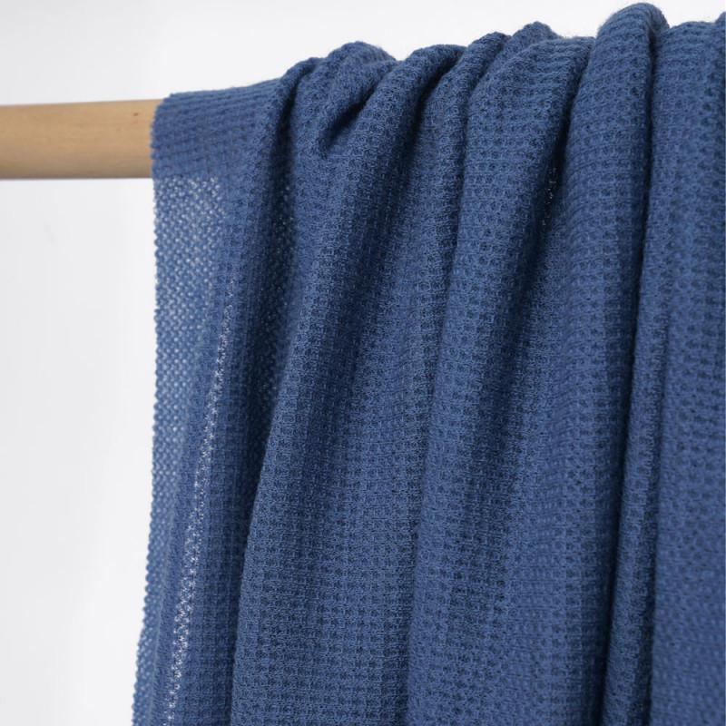 Tissu maille gaufrée provincial blue - pretty mercerie - mercerie en ligne
