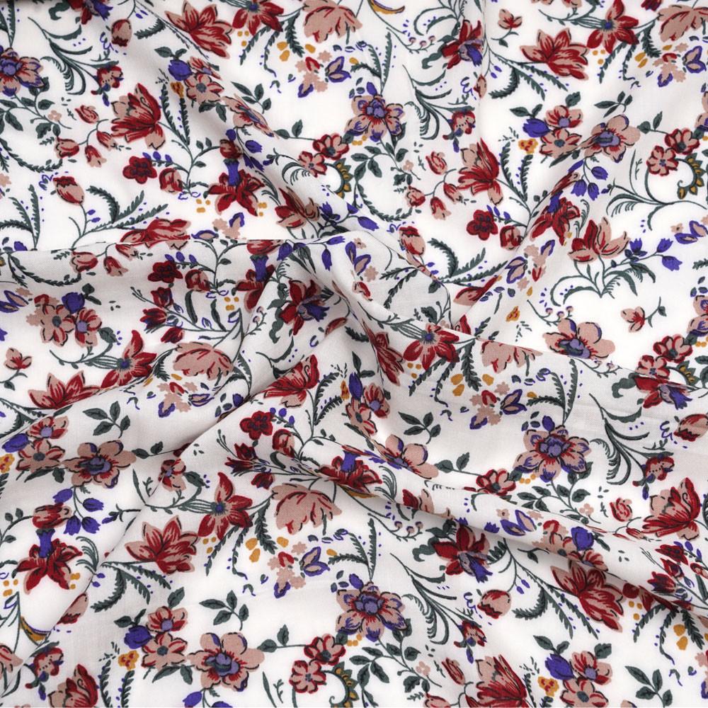 Tissu viscose blanc cassé à motif fleuri vert, bleu, rouge  - pretty mercerie - mercerie en ligne