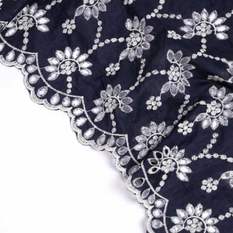 Tissu coton bleu nuit à motif brodé bohème fleuri crème | Pretty Mercerie | mercerie en ligne