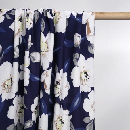 Tissu viscose bleu nuit à motif grosse fleur blanc et beige   Pretty Mercerie   mercerie en ligne