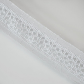 Ruban broderie anglaise blanc x 1m