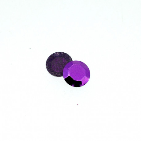 Clous à facettes violet