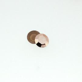 Clous à facettes cuivre léger