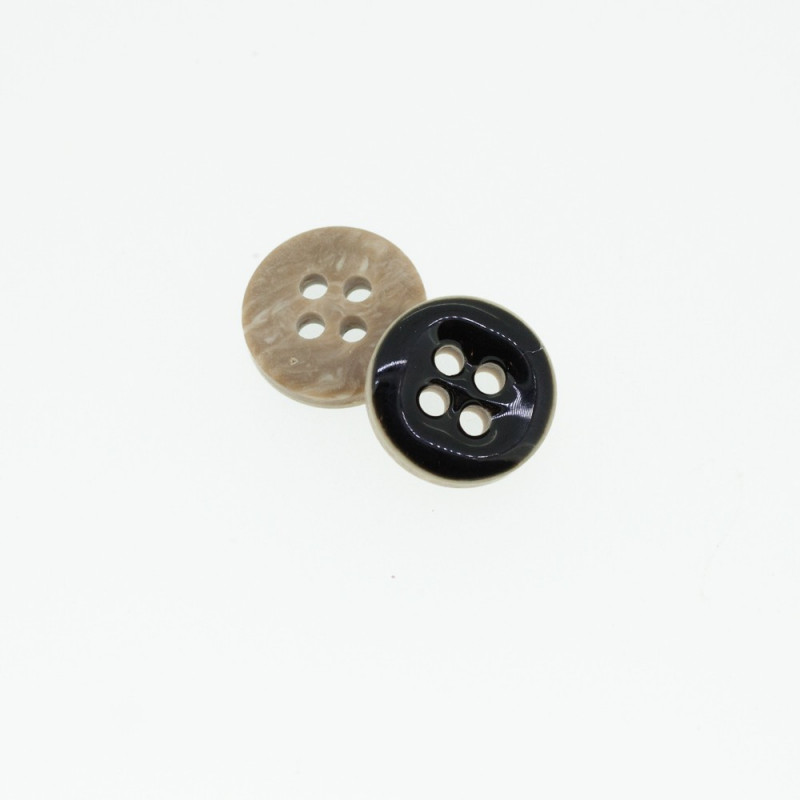 Bouton Polyester 4 trous noir 10 mm