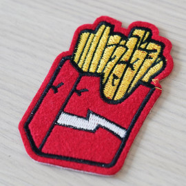 Badge brodé Frites- pretty mercerie - customisation - mercerie en ligne - mercerie pas cher